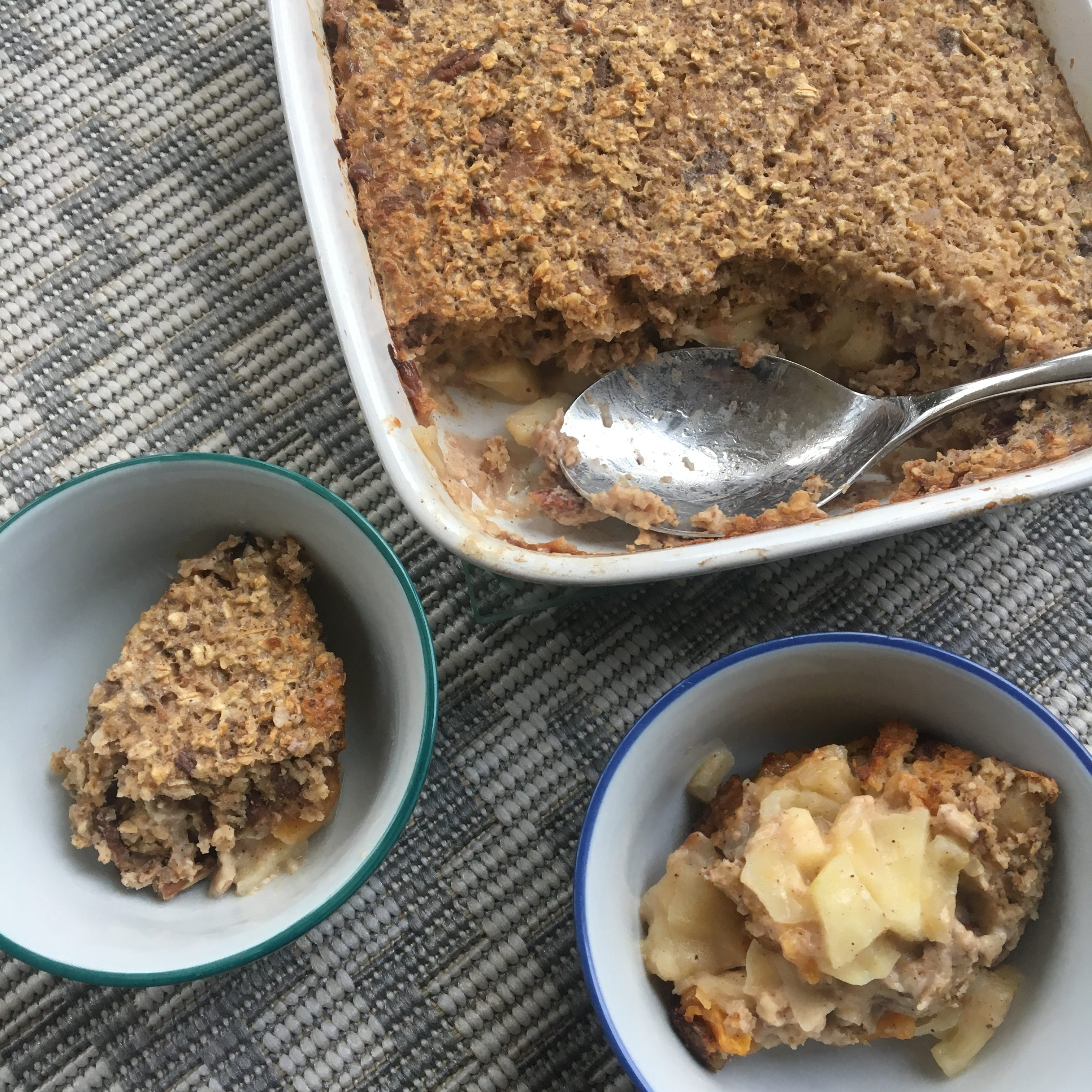 Apple, Apricot and Pecan Baked Porridge Oats
