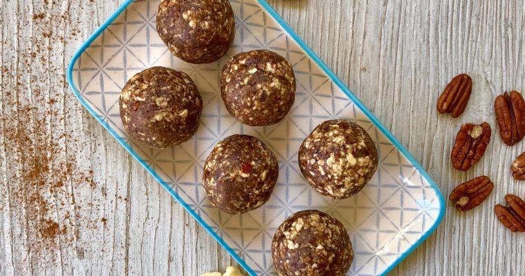 Apple and Cinnamon Energy Balls
